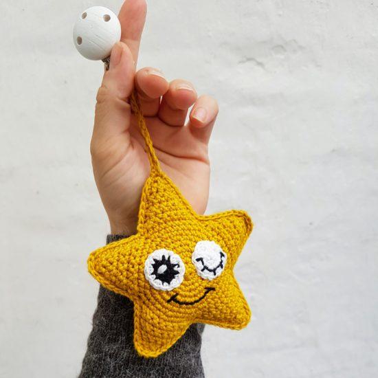 Hæklet-Stjerneophæng-550x550 Stjerneophæng - En nem hæklet stjerne