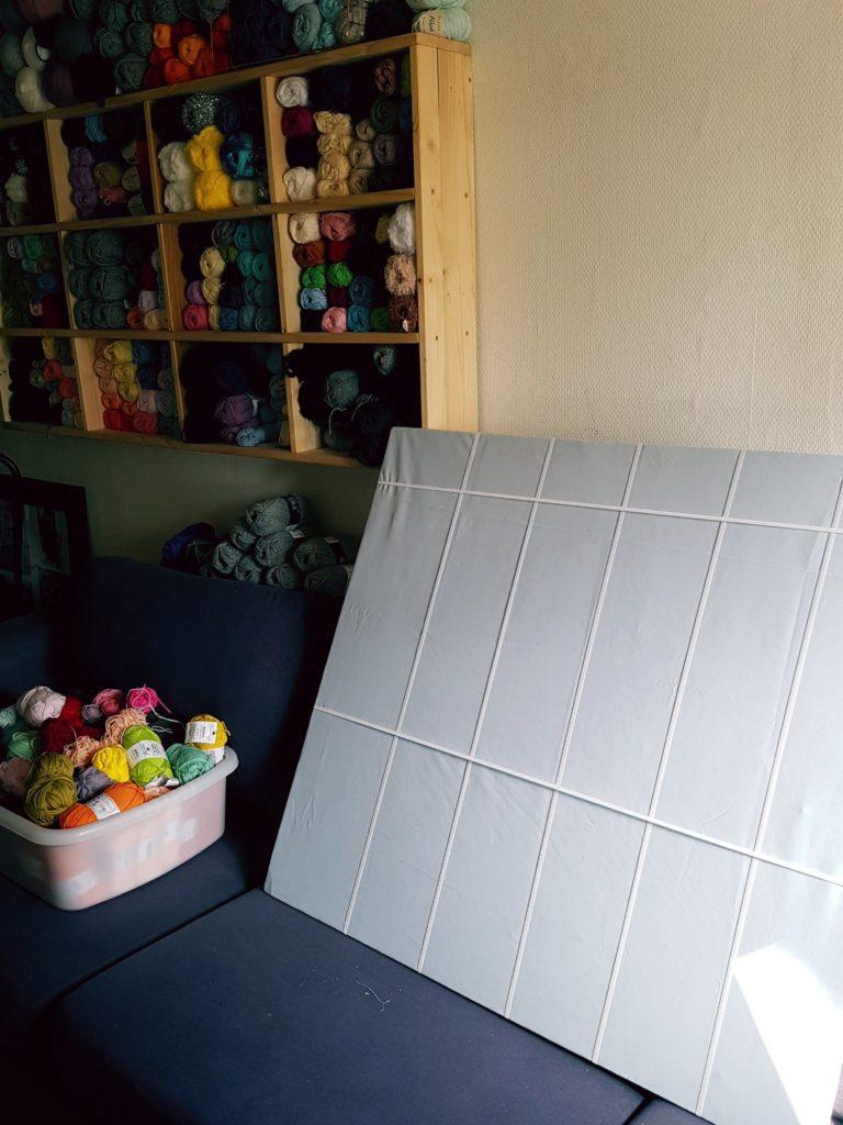 opslagstavle-1-768x1024 Opbevaring af garn - styr på garnet
